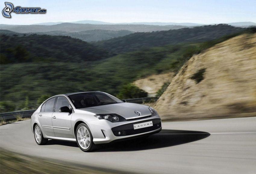 Renault Laguna, ulica, prędkość, wzgórza