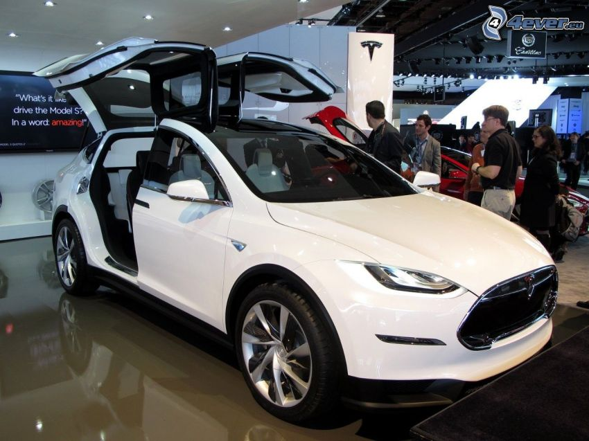 Tesla Model X, projekt, wystawa, autosalon, drzwi, falcon doors