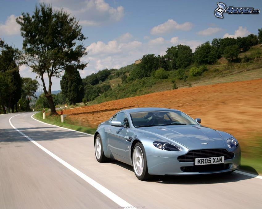 Aston Martin, prędkość, ulica