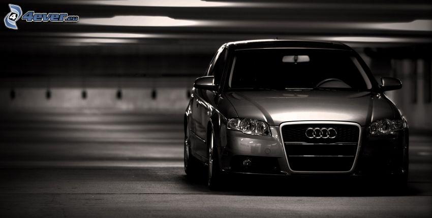 Audi A4, garaż
