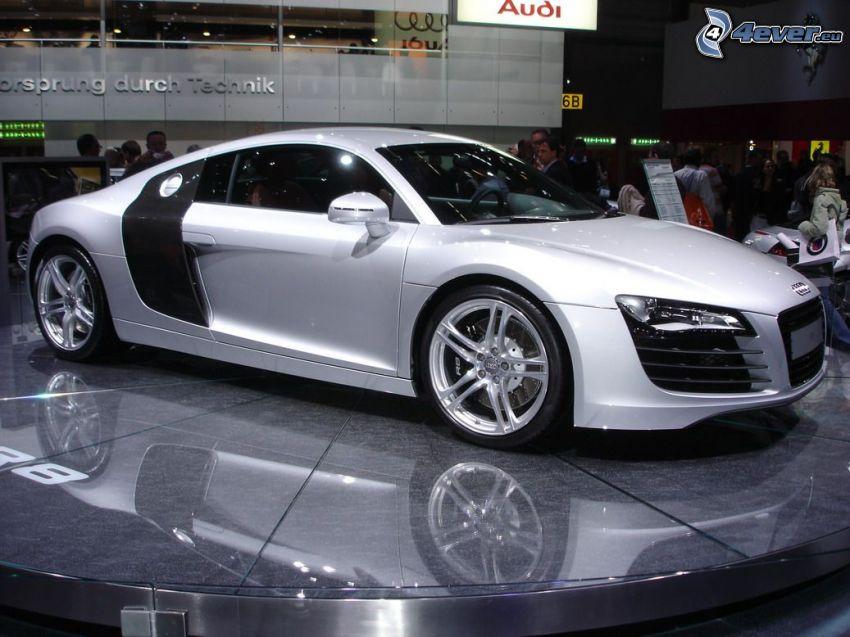 Audi R8, samochód