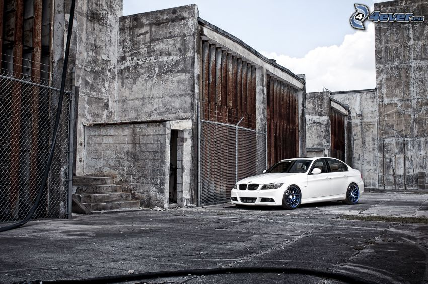 BMW, mury