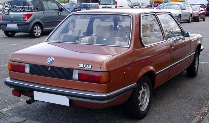 BMW E21, parking