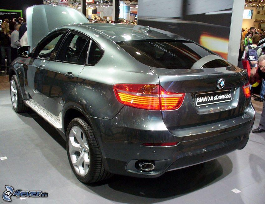 BMW X6, wystawa