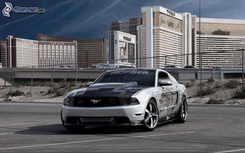 Ford Mustang, parking, budowle