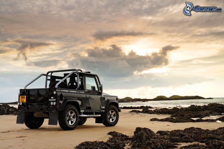 Land Rover Defender, plaża piaszczysta
