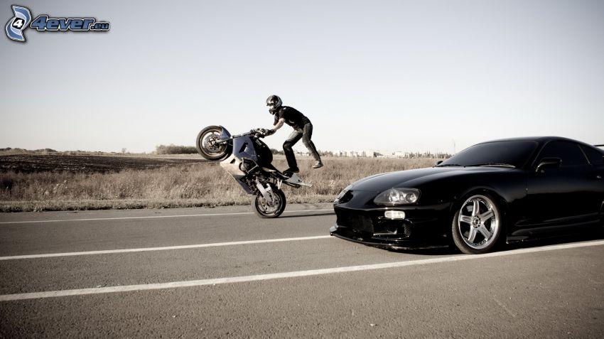 akrobacje, motocykl, motocyklista, samochód, tuning, ulica