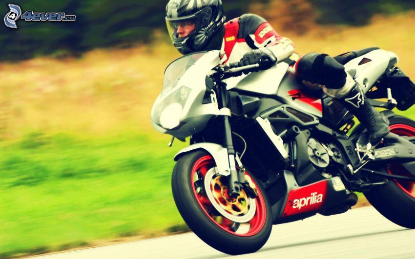 Aprilia, motocyklista, prędkość