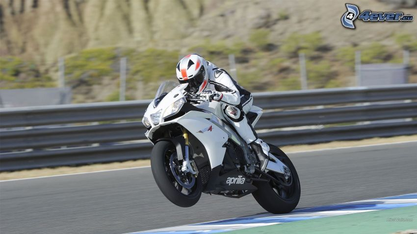 Aprilia RSV4, motocyklista