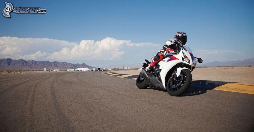 Honda CBR, motocyklista, wyścigi, torowe