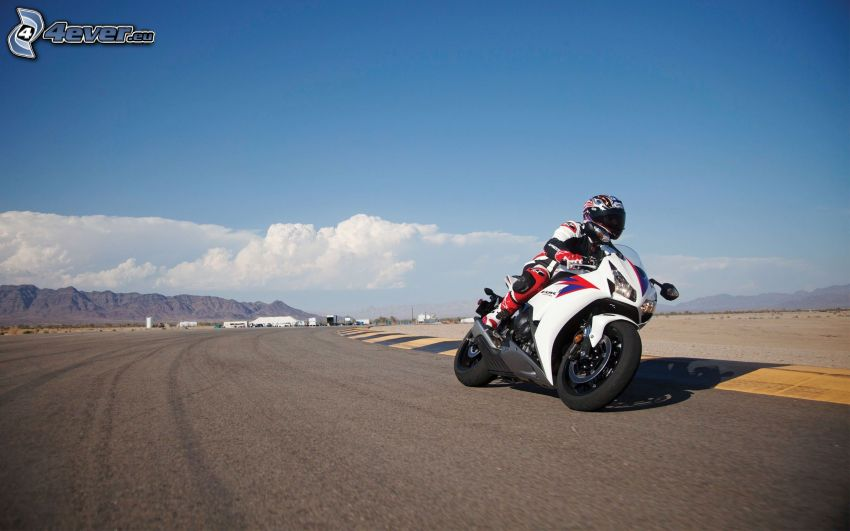 Honda CBR 1000, motocyklista, wyścigi, torowe