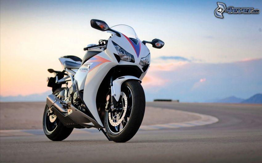 Honda CBR 1000, wyścigi, torowe
