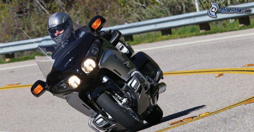 Honda Goldwing, motocyklista, światła