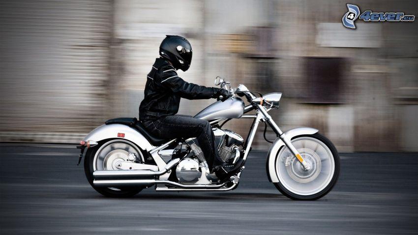 Honda VT1300CX, motocyklista, prędkość