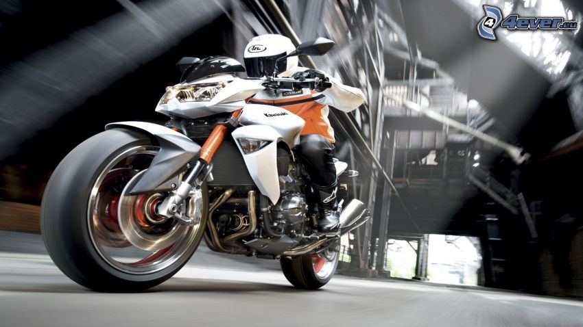 Kawasaki Z1000, motocyklista, prędkość