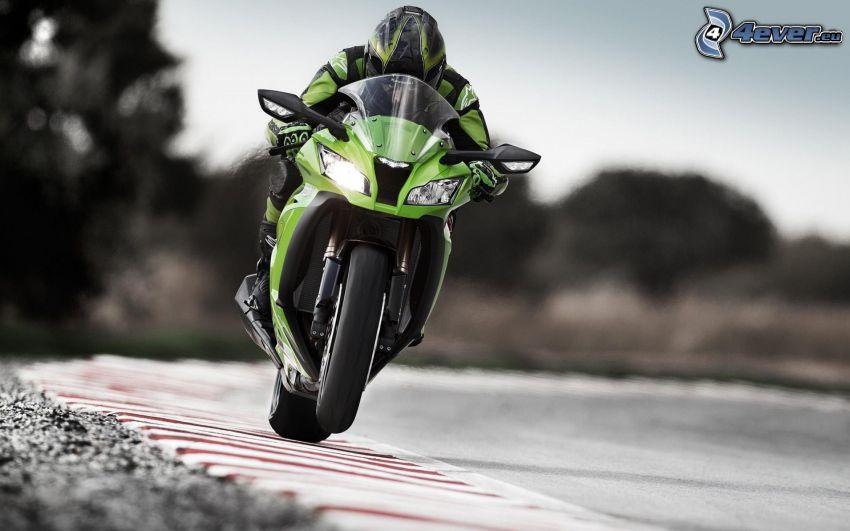 Kawasaki ZX 10R, motocyklista