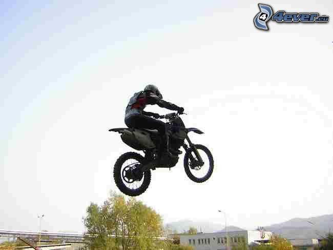 skok na motocyklu, motocyklista