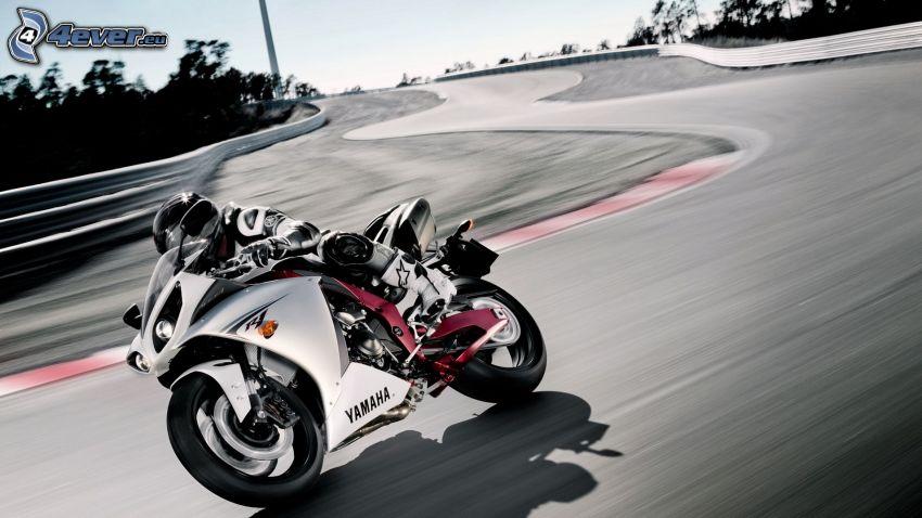 Yamaha R1, motocyklista, prędkość, wyścigi, torowe