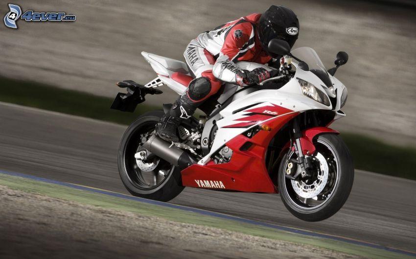 Yamaha R6, motocyklista, prędkość