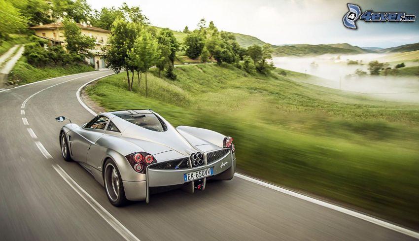 Pagani Huayra, sportowe auto, prędkość, ulica