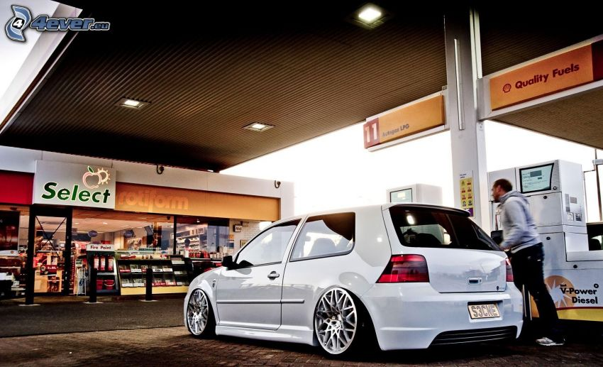 Volkswagen Golf, lowrider, tuning, tankowanie