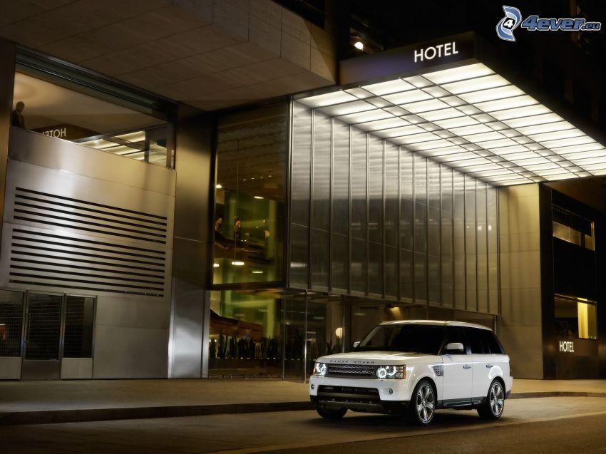 Range Rover, hotel