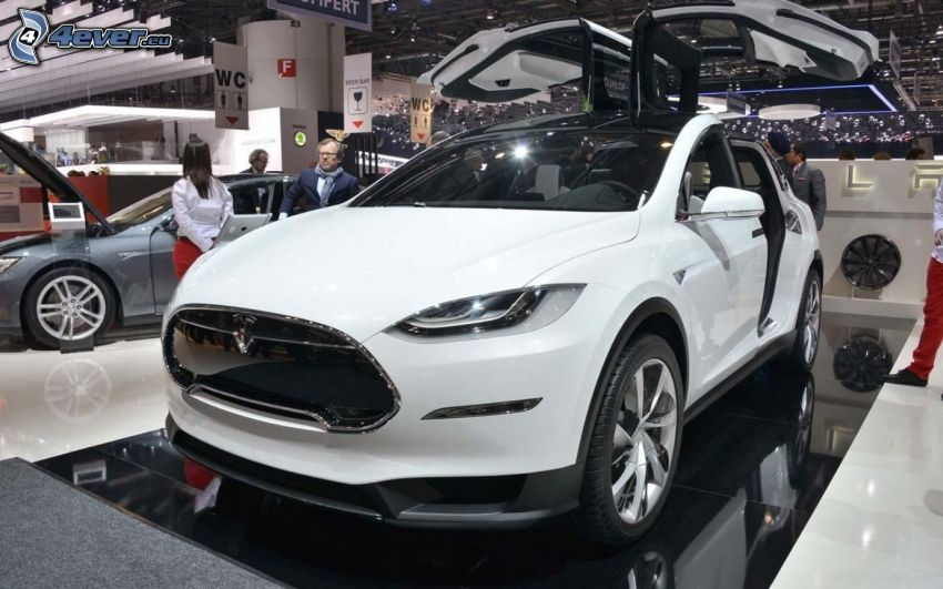 Tesla Model X, projekt, wystawa, autosalon, falcon doors