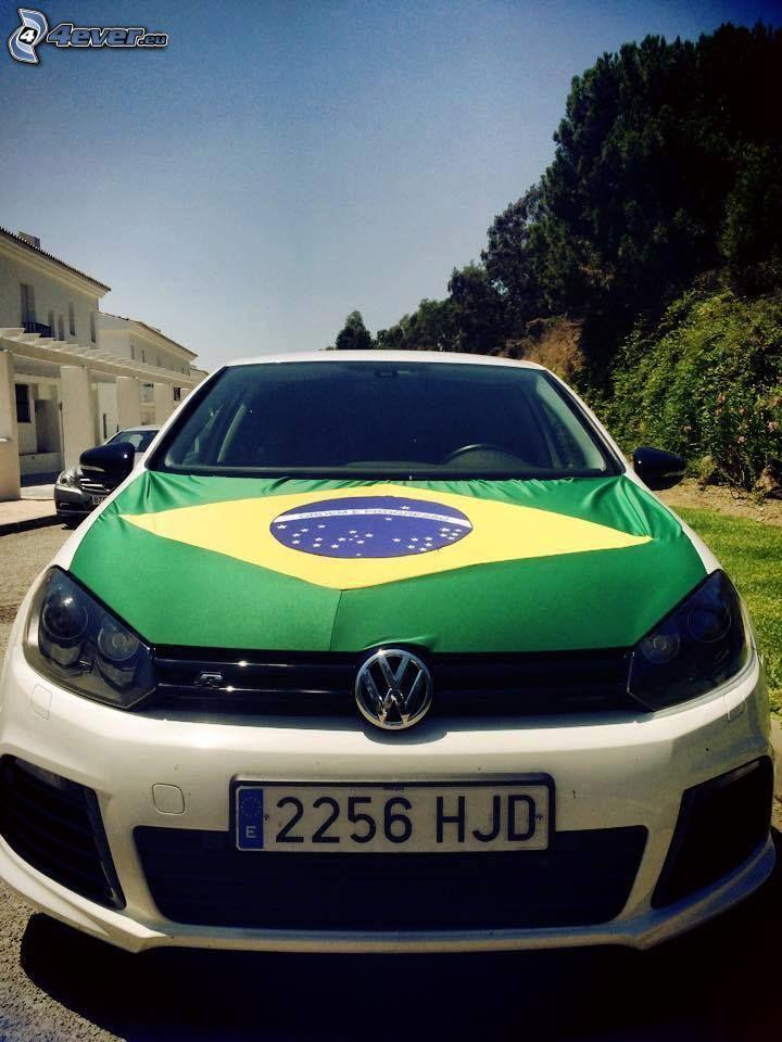 Volkswagen Golf, brazylijska flaga, przednia maska