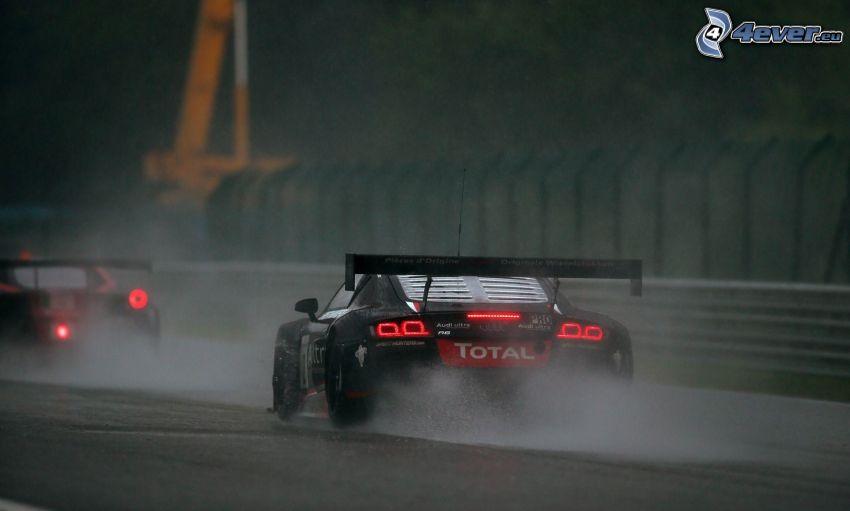 Audi R8, sportowe auto, woda