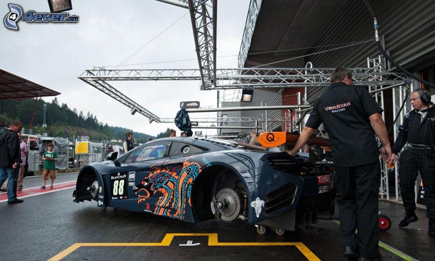 McLaren MP4-12C, nadwozie, mechanik