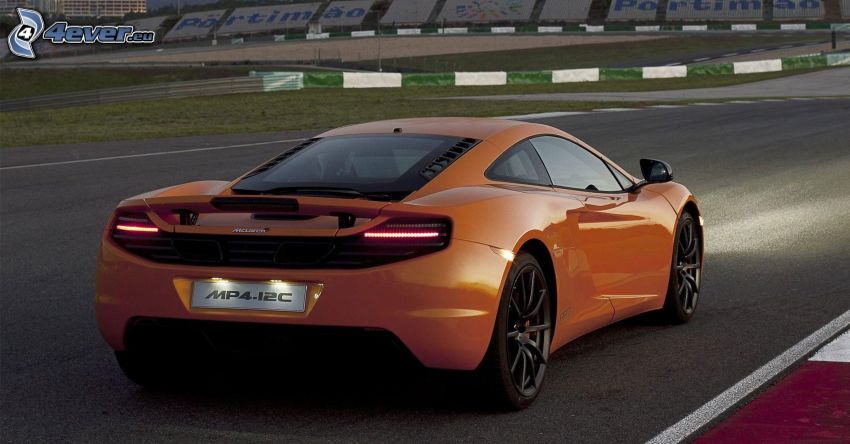 McLaren MP4-12C, wyścigi, torowe