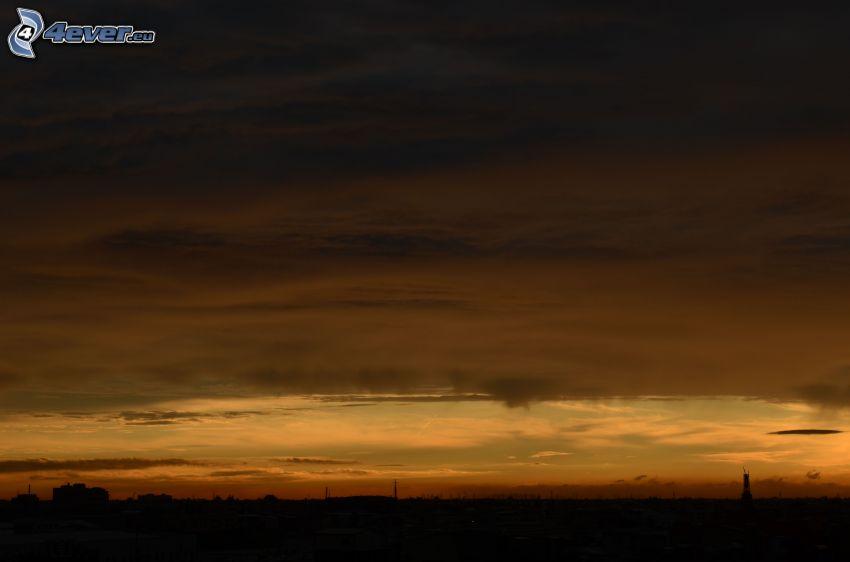 ciemne niebo, wieczór