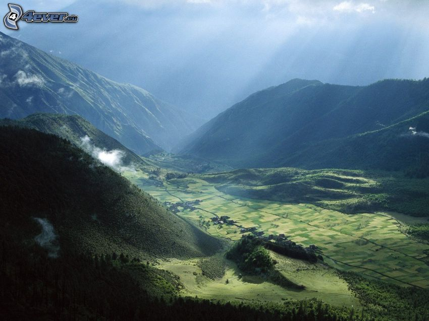 dolina, góry, promienie słoneczne, Tybet, pola