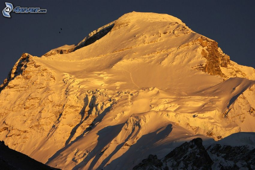 Cho Oyu, zaśnieżona góra
