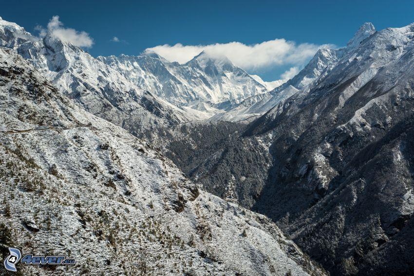 Cho Oyu, zaśnieżone góry, dolina