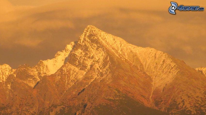 Kriváň, zaśnieżona góra