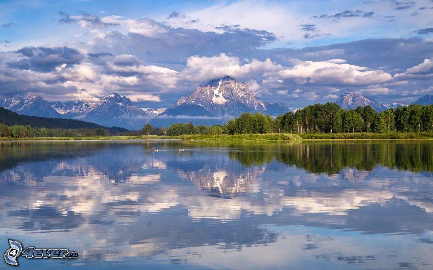 Mount Moran, Wyoming, jezioro, las iglasty, góry skaliste, chmury