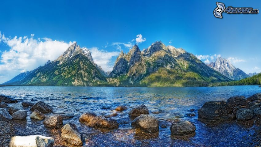 rzeka, kamienie, skaliste wzgórza