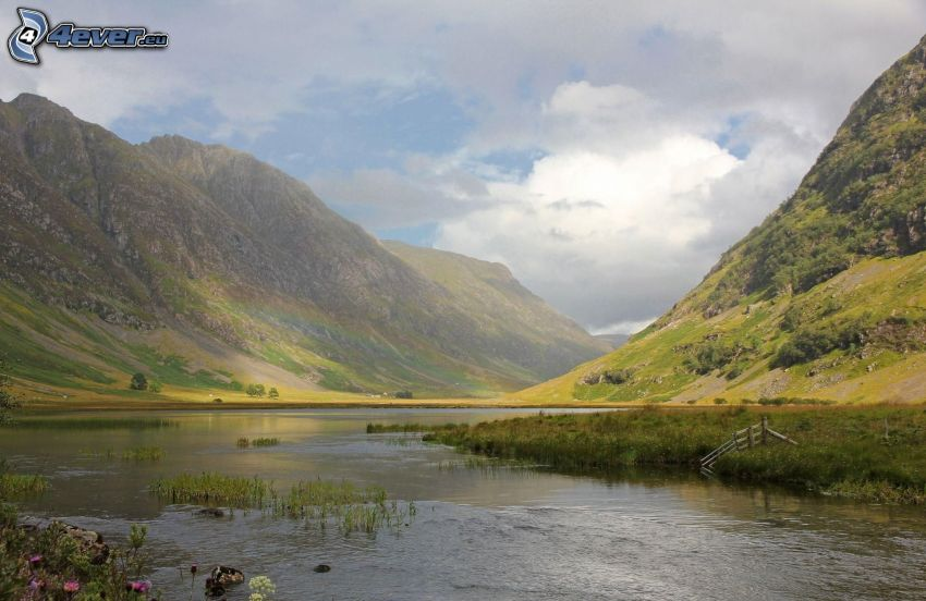 rzeka, skaliste wzgórza