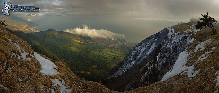 widok na dolinę, wzgórza, śnieg