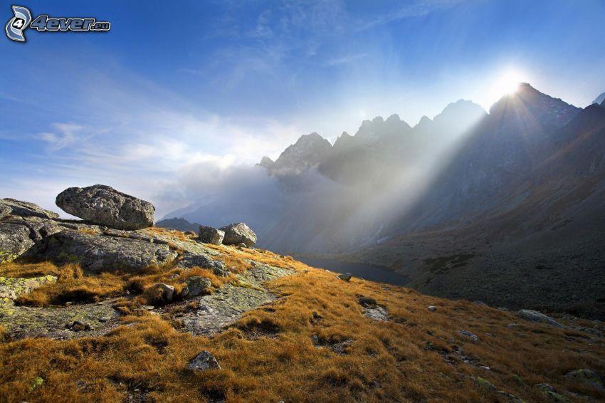 Wysokie Tatry, Słowacja, góry, skały, słońce