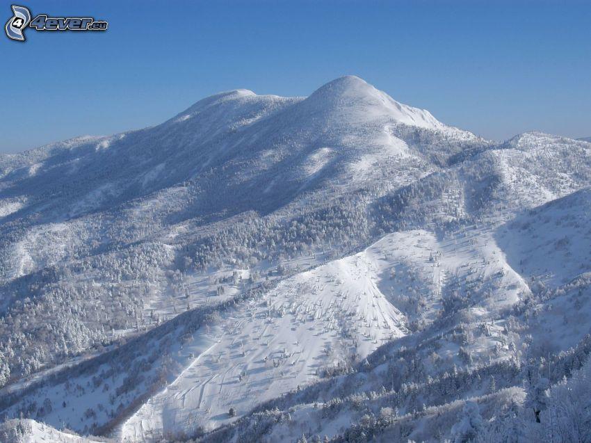 zaśnieżona góra