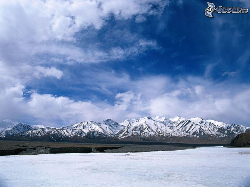 zaśnieżone góry, niebo