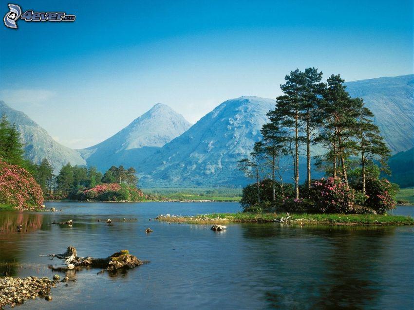 Kolsai Lakes, górskie jezioro, wzgórza