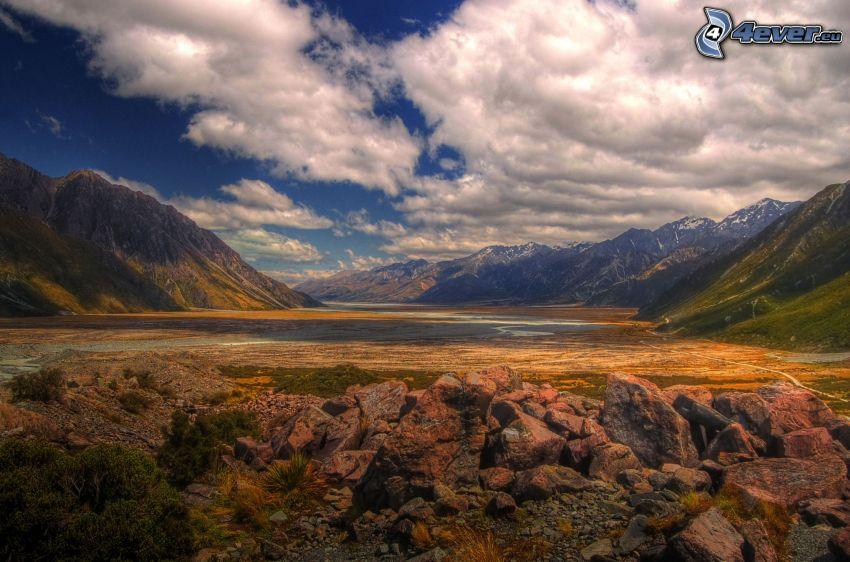 dolina, kamienie, pasmo górskie, chmury