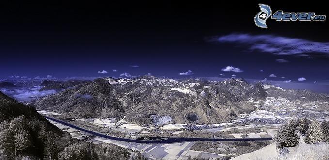 góry, pasmo górskie, dolina