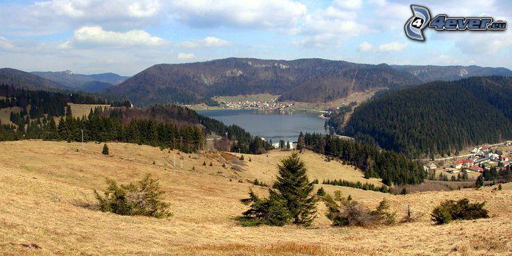 Palcmanská Maša, Słowacki Raj, zbiornik wodny, wioska nad jeziorem, dolina