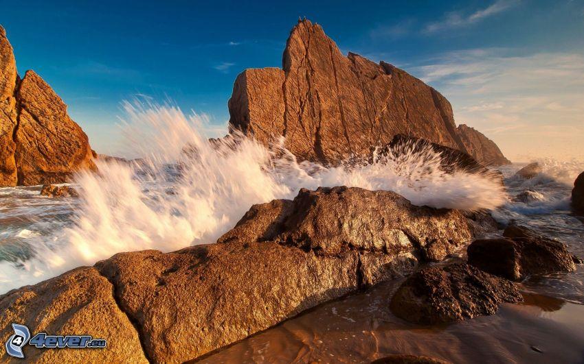 fale na wybrzeżu, skały, morze