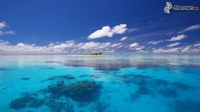 lazurowe morze, wyspa, chmury, morskie dno