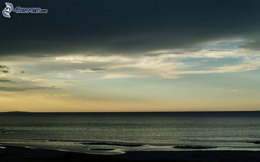 morze, ciemne chmury